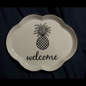 Southern Hospitality Scalloped Welcome Tray